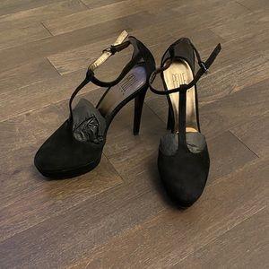 Pelle Moda Black High Heel Sandals w/ Box